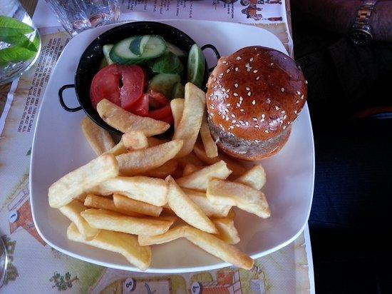 Bat Yaar: Junior Burger