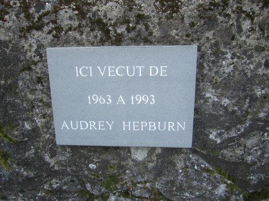 Audrey Hepburn Cemetary : 晩年を過ごした家にある碑文
