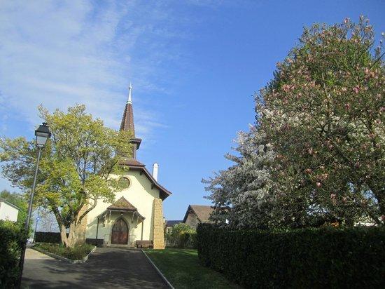 Audrey Hepburn Cemetary : 葬儀を執り行った教会