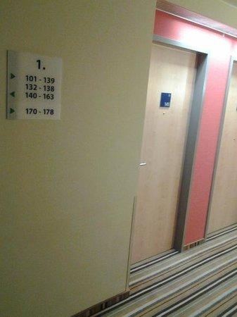 Holiday Inn Express Munich Airport: room