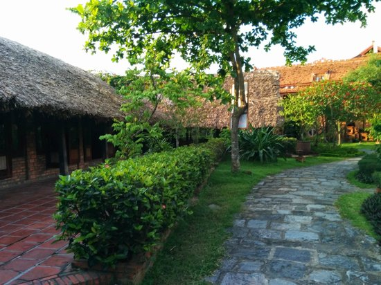 Van Chai Resort: The grounds