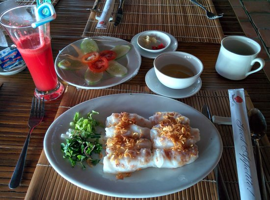 Van Chai Resort: Breakfast in the Ocean Restaurant