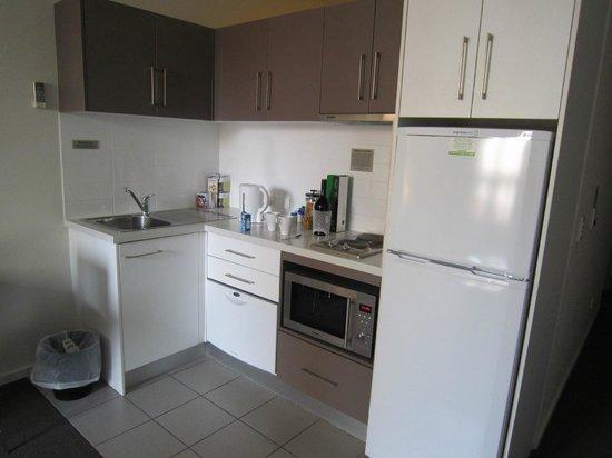 Miller Apartments Adelaide: Kitchen