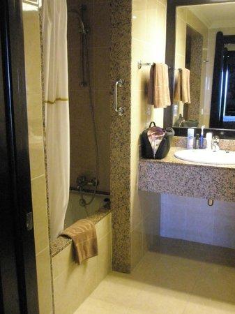 Hotel Riu Santa Fe: Our room.