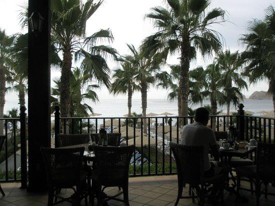 Hotel Riu Santa Fe: The view at breakfast.
