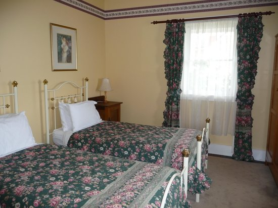 Abbey's Cottages: Second Downstairs Bedroom