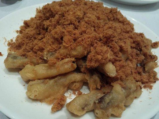 Peach Garden : pork floss with deep-fried eggplant