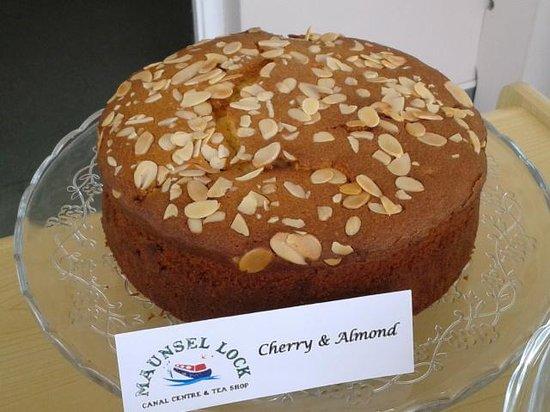 Maunsel Lock: Cherry & Almond Cake