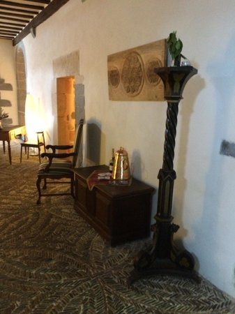 Hotel Roncesvalles: Lobby