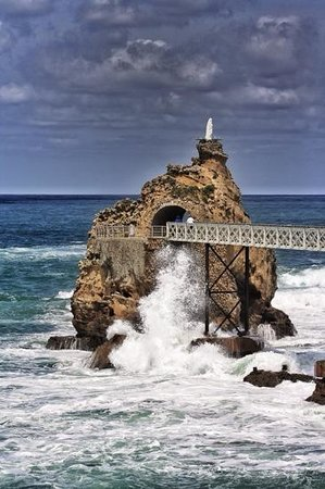 Rocher de la Vierge: nice location for photos