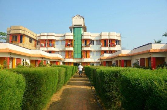 Neel Nirjaney: Hotel from outside