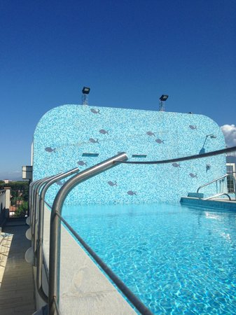 Piscina terrazzo foto di hotel nuova sabrina marina di pietrasanta tripadvisor - Piscina gonfiabile terrazzo ...