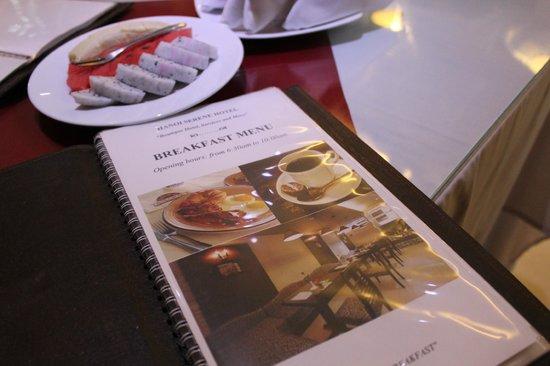 Hanoi Serene Hotel : 朝食のメニュー