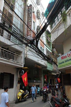 Hanoi Serene Hotel: ホテル外観