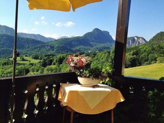 Hotel Restaurant Cafe Neu-Meran: Breakfast view