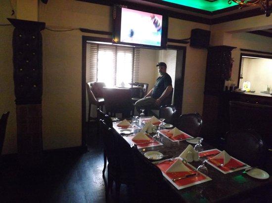 Ascot Hotel: the bar
