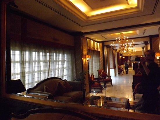 Ascot Hotel: foyer