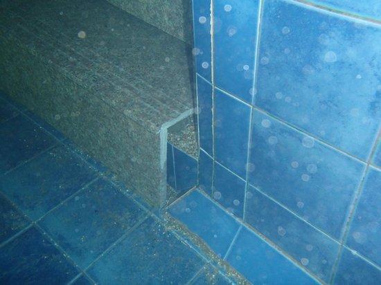 Access Resort & Villas: shoddy repairs