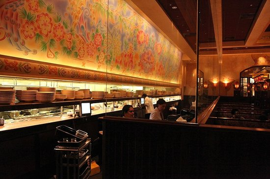 The Cheesecake Factory: Kitchen/Server Area