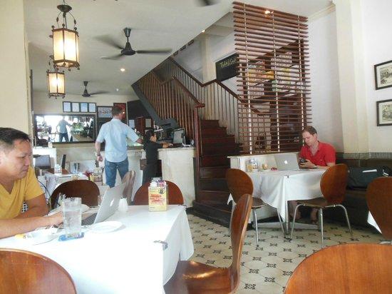 Jaspas Restaurant : 3 wifi campers present, not eating