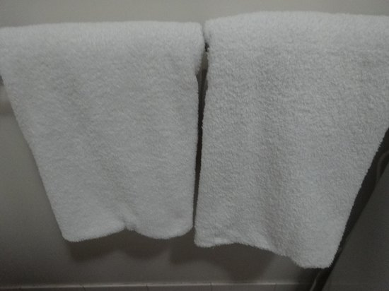 Oaks Goldsbrough Apartments: Fluffy and clean towels