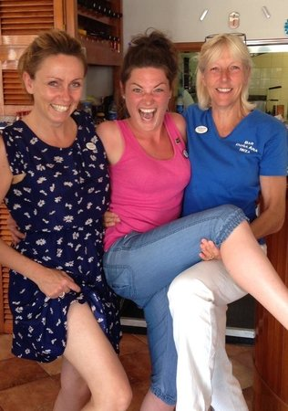 Bar Dona Ana : Kick em up girls we had a fab time with you all thank you so much miss you all take care xxxxx