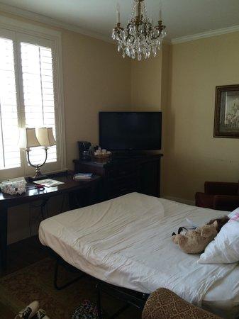 Lakeland Terrace Hotel: Separate room Suite 12/7th floor