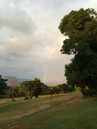 Novotel Nadi: Awesome rainbow