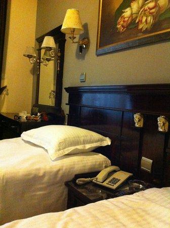 Laleli Gonen Hotel: Отель Лалели, номер