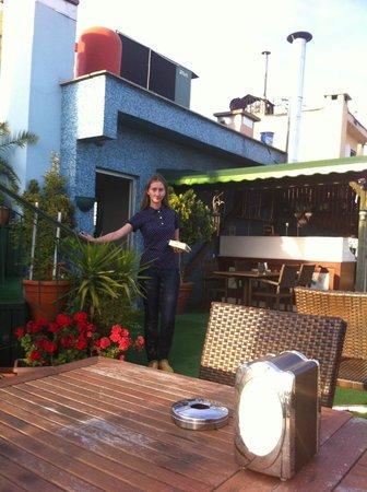 Laleli Gonen Hotel: Отель Лалели, веранда