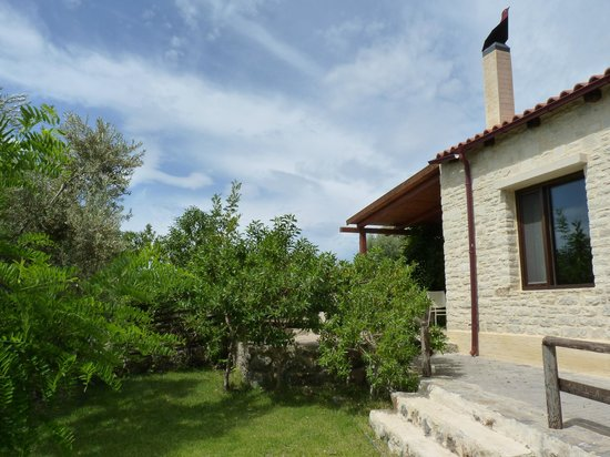 Eleonas : Cottage exterior