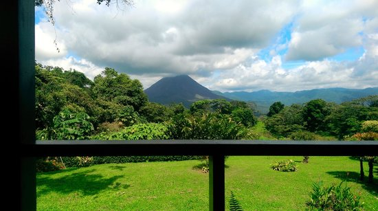 Arenal Lodge: view from Room 8