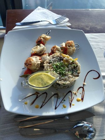 On Plonge : Shrimp dish with a mint sauce that my friend really liked