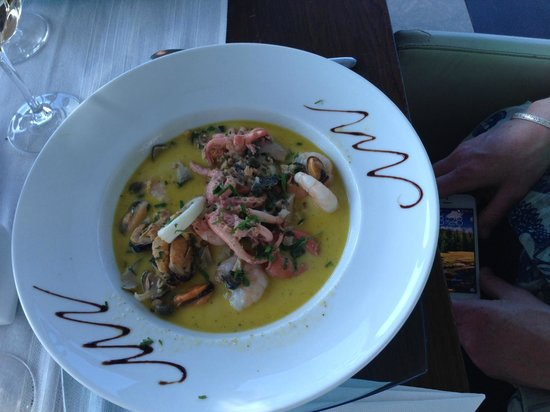 On Plonge : The ginger seafood dish that the waittress recommended....it was okay...
