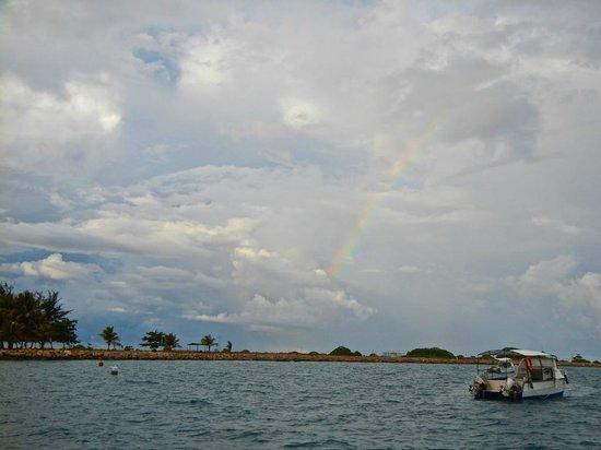 Layang Layang Island Resort: rainbow from dive boat