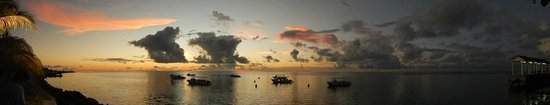 Layang Layang, Malaysia: another beautiful sunset with moored dive boats