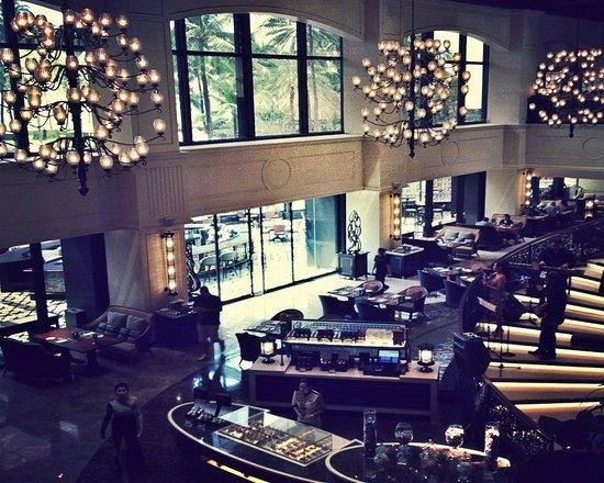 Sofitel Philippine Plaza Manila: Dining