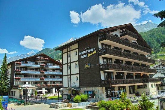 BEST WESTERN Alpen Resort Hotel: Hotelgebäude