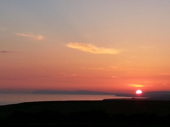 Chale Bay Farm : sunset over the Needles