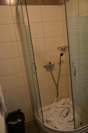 Snjezna Kuca : La doccia