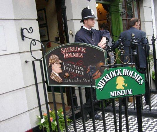 Sherlock Holmes Museum: вход