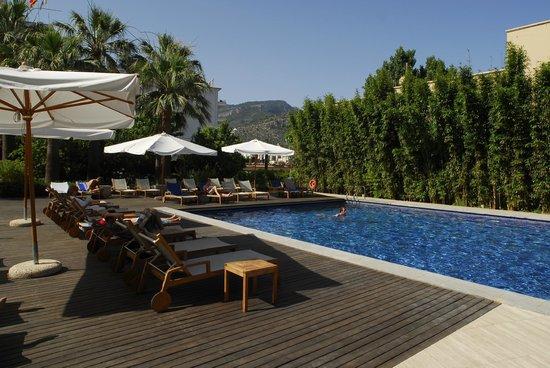 Aimia Hotel: Pool Area 5