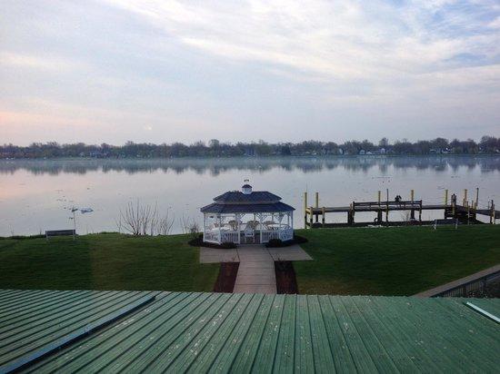 Radisson Hotel Niagara Falls - Grand Island : VIEW FROM RESTAURANT