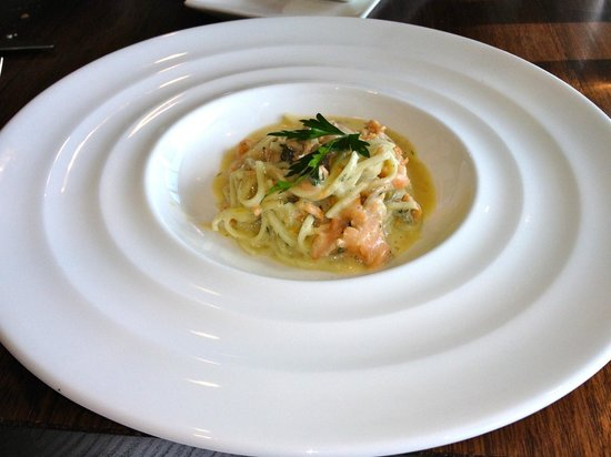 Oakridge Wines: Pasta with trout: entree dish