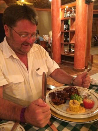 Iberostar Tucan Hotel: Ribs at the Steak House.