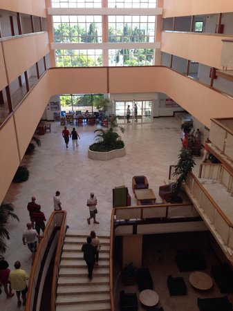 Alfamar Hotel: Холл