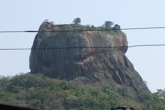Sigiriya Village Hotel: room with a view of the rock