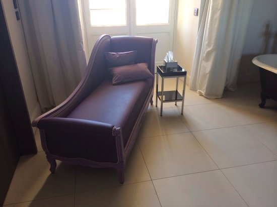 InterContinental Marseille - Hotel Dieu : Jolie sofa