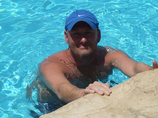 Xperience Sea Breeze Resort: trev in another pool
