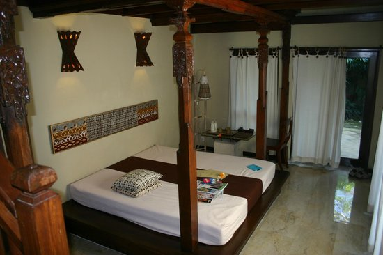The Sungu Resort & Spa : downstairs living/bed room, there is a similar bedroom upstairs